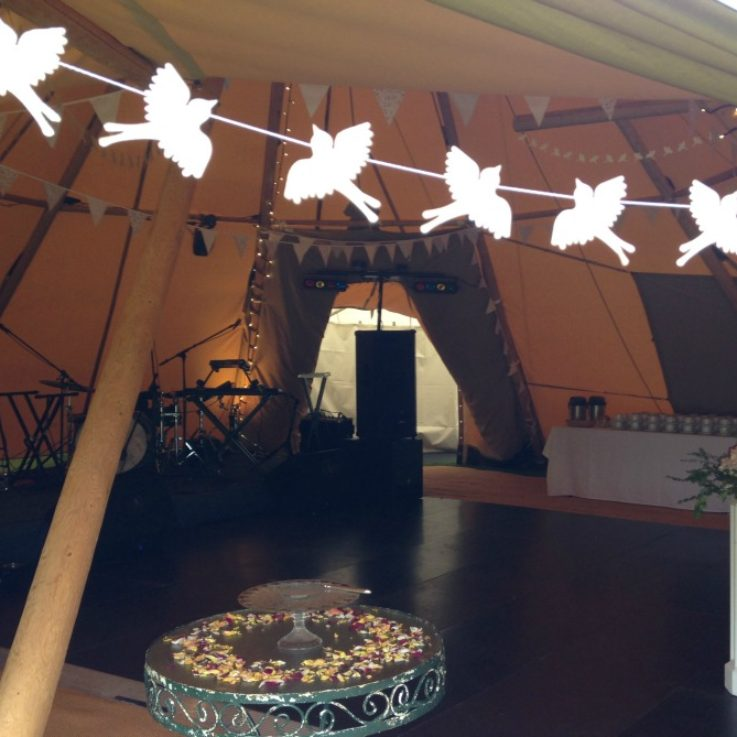 dance-floor-in-tipi