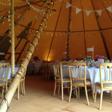 wedding-tipi-interior