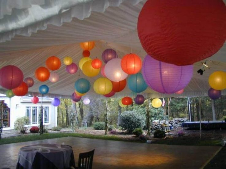 balloons above dance floor