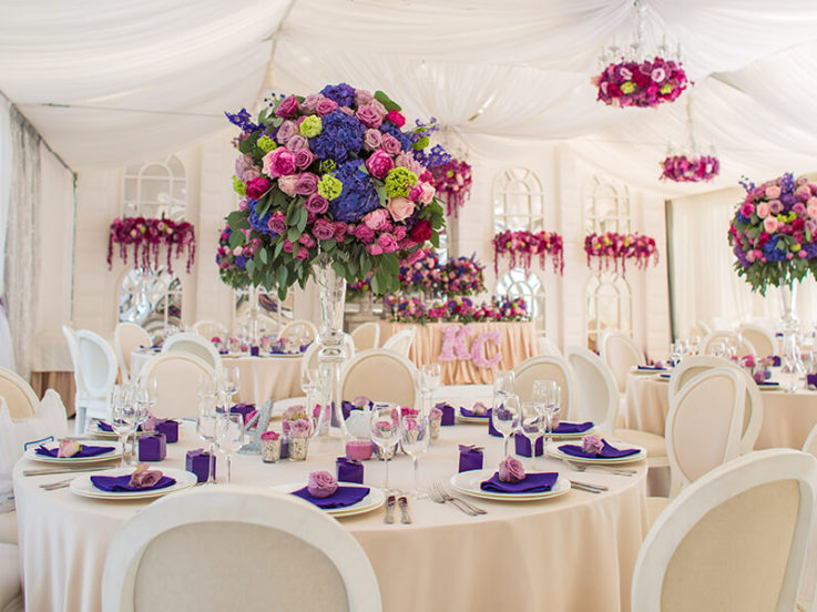Incorporating Flowers Into Your Marquee Wedding